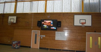 6 benefits of digital signage in education