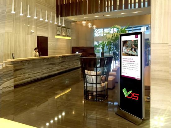 Digital_Signage_hotel_dai dien