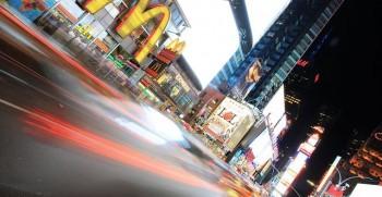 VDS - McDonald's đầu tư hàng tỷ đô cho bảng quảng cáo kỹ thuật số