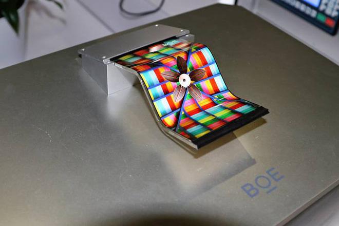 """VDS - Thế lực ngầm nào ở Trung Quốc đang âm mưu """"soán ngôi"""" Samsung trên thị trường màn hình OLED1"""